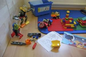 Mondfahrzeuge und -Roboter gebaut mit dem Lego Education Set